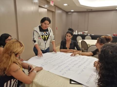 Taller de Prevención Combinada realizado por la Corporación Kimirina - Asociación Silueta X - Diane Rodríguez